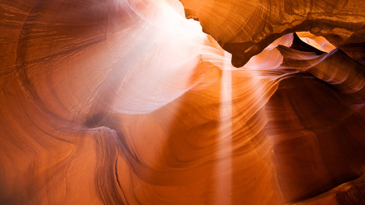 Antelope_Canyon_Light_Beams1